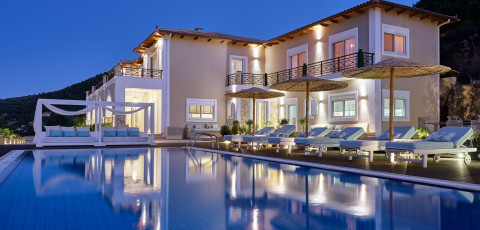 SERENUS LUXURY VILLA